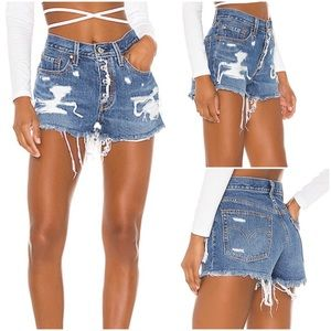 Levi's 501 Shorts in Mid View Wash